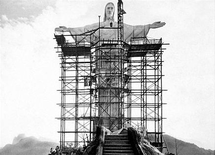 construction of Christ the redeemer in Rio